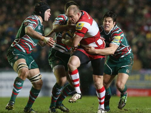 Gloucester&#39;s Mike Tindall is tackled
