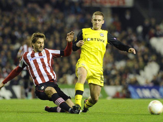 Fernando Llorente tackles Pavel Kaderabek