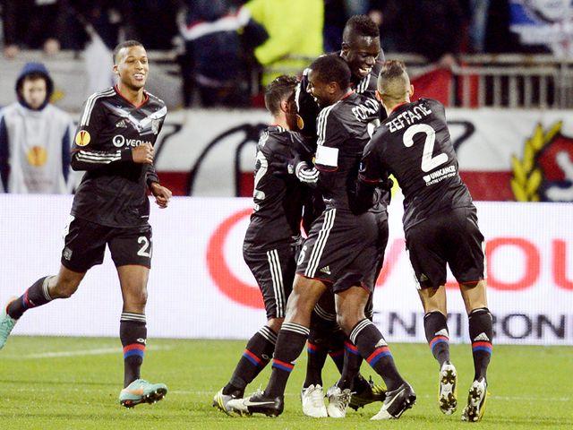 Lyon celebrate Mahamadou-Naby Sarr's goal