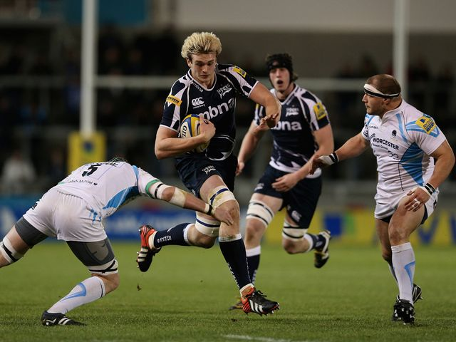 Richie Gray charges forward.