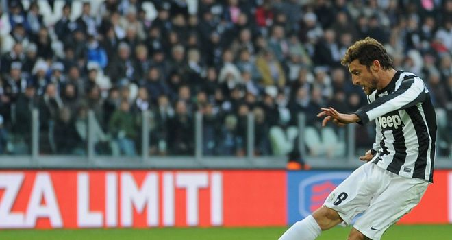 Claudio Marchisio fires in Juventus&#39; third