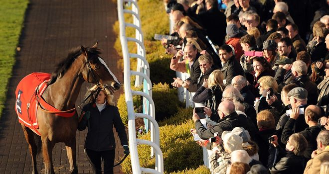 Sandown racegoers greet Kauto Star last month