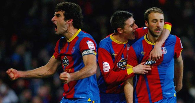 Glenn Murray: Crystal Palace striker congratulated by team-mates