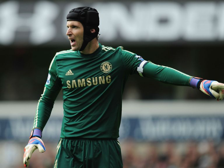 Petr Cech: Broken little finger