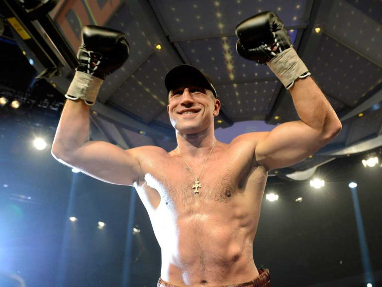 Arthur Abraham: German retains WBO super-middleweight crown