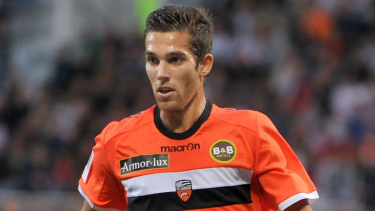 Maxime Barthelme: Bid expected to be tabled by Real Betis