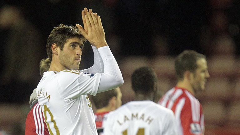 Danny Graham: Swansea striker applauds fans after Sunderland stalemate
