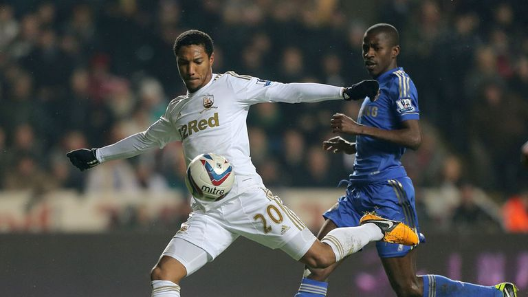 Jonathan de Guzman: Will play no part in Swansea¿s season opener against Manchester United