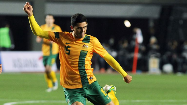Tom Rogic: Australia international granted work permit for Celtic switch