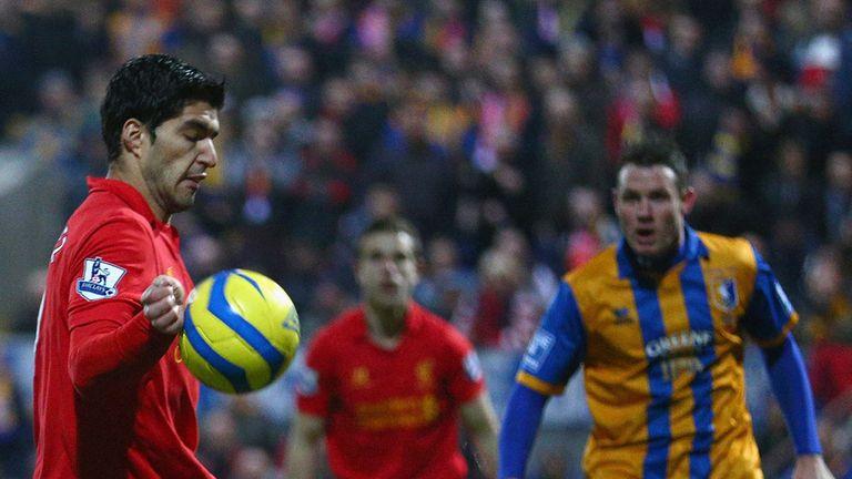 Luis Suarez: Ball strikes Liverpool forward on the hand ahead of his goal against Mansfield