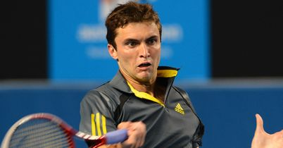 Gilles Simon: Suffered cramps on court