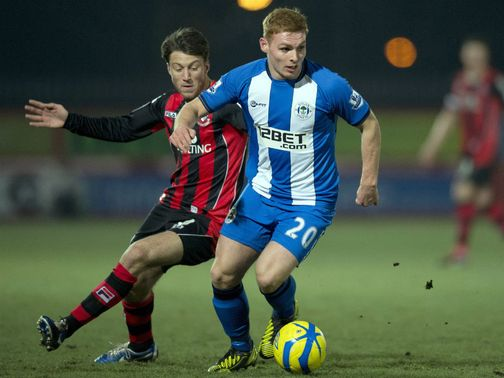 Fraser Fyvie holds off Harry Arter