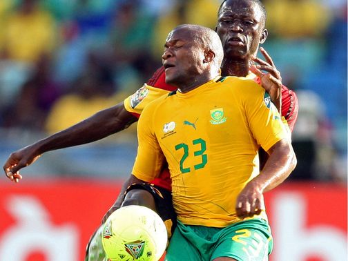 Tokelo Rantie looks to controls the ball
