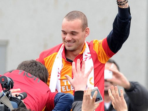 Sneijder: Completes his switch to Galatasaray