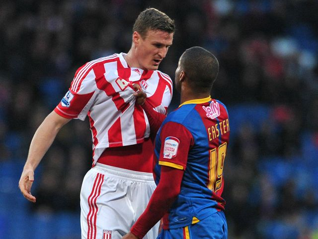 Robert Huth and Jermaine Easter exchange views