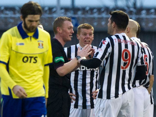 St Mirren make their point to the referee