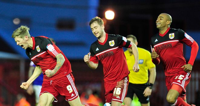 Jon Stead (L): Thinks Bristol City can survive again