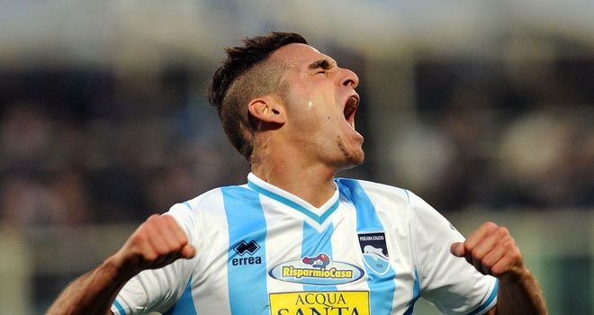 Mervan Celik celebrates for Pescara