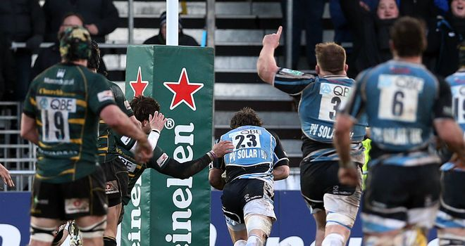 Peter Horne touches down in the last minute for Glasgow