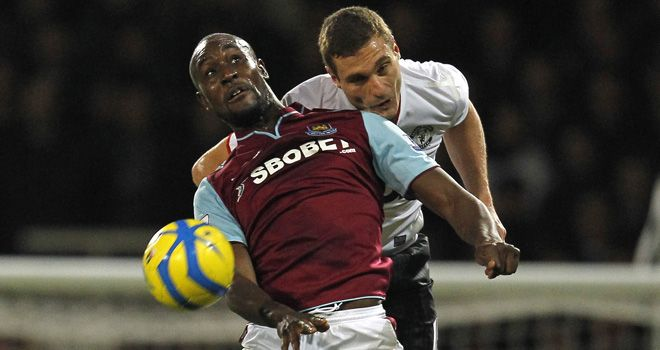 Nemanja Vidic struggled to keep the West Ham strikeforce in check