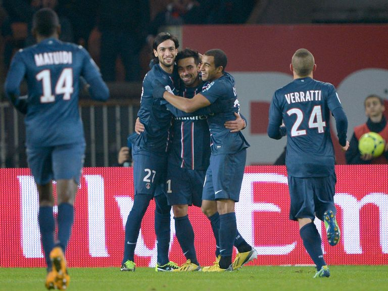 Paris Saint Germain celebrate against Lille