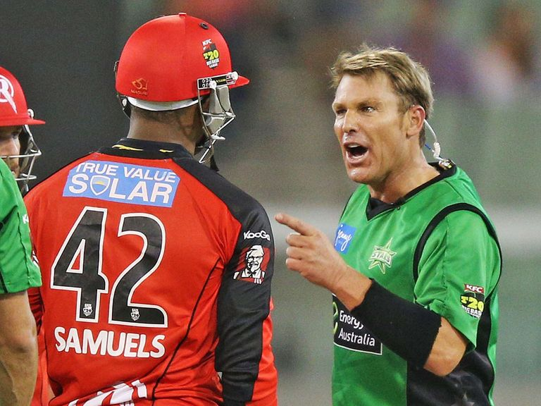 Samuels and Warne exchange words at the MCG