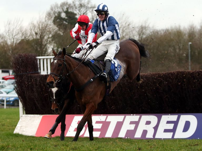 Teaforthree leads over the last at Chepstow