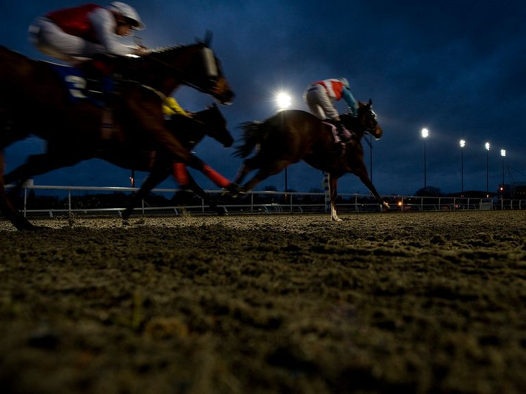 Kempton stages this evening's meeting