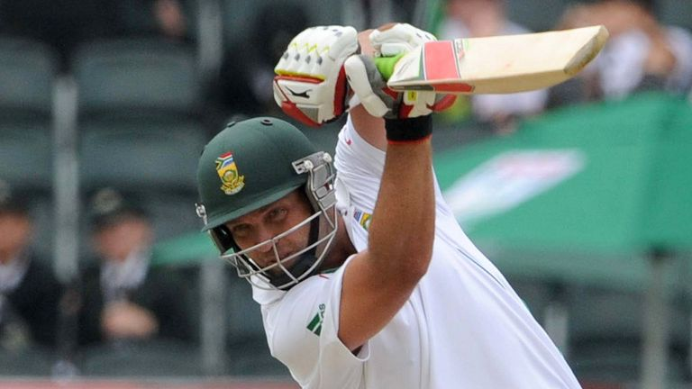 A frustrating day for South African Jacques Kallis in Cape Town