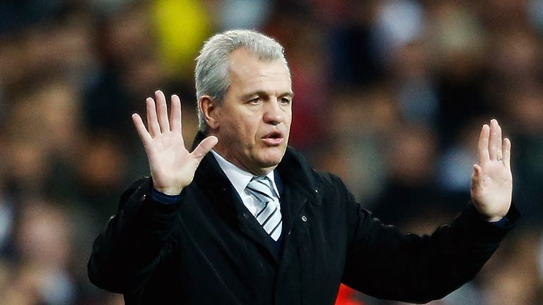 Javier Aguirre: Signed a one-year extension to his contract