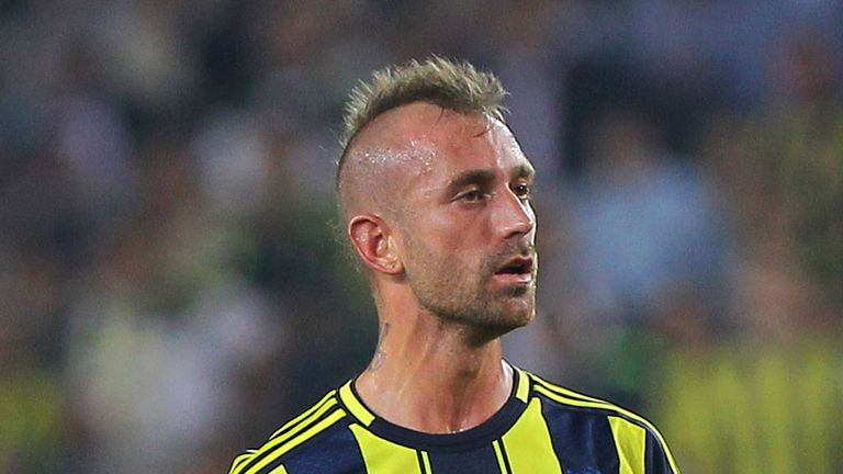 Raul Meireles: Was sent off for Fenerbahce