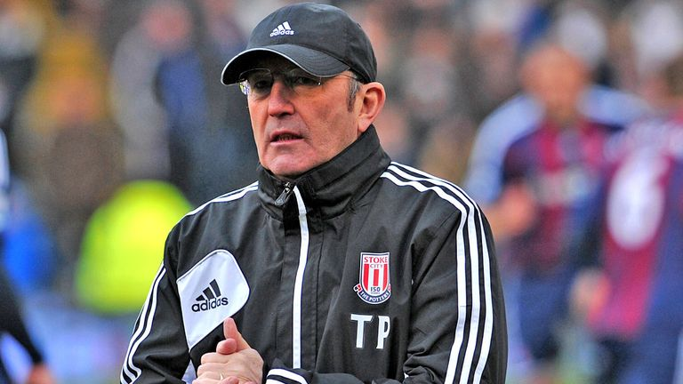 Tony Pulis: Hoping to see Stoke supporters stick with his players