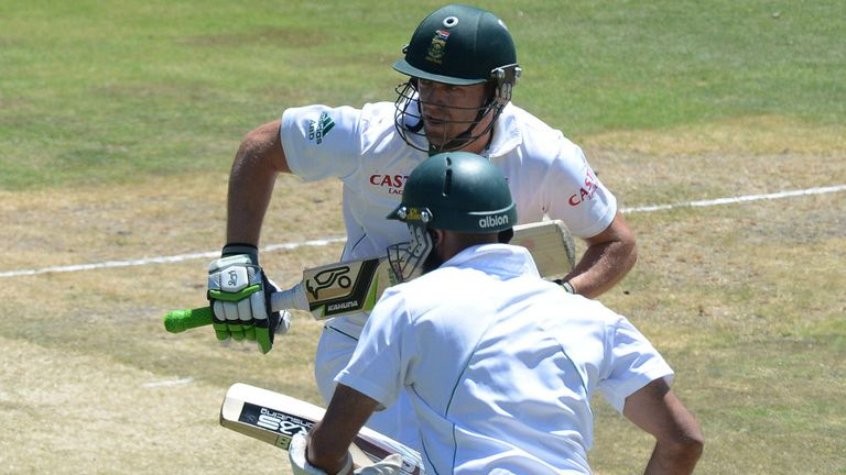 AB de Villiers and Hashim Amla shared an unbroken 176-run stand.