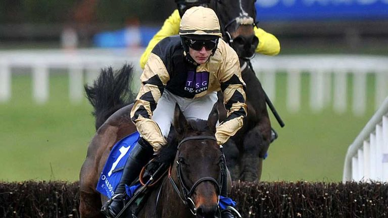 Boston Bob: Warms up for World Hurdle at Gowran