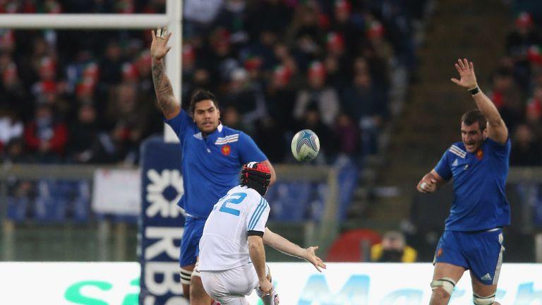 Kris Burton on kicking duty for Italy