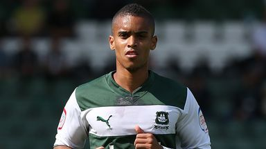 Paris Cowan-Hall: Seals switch to Wycombe