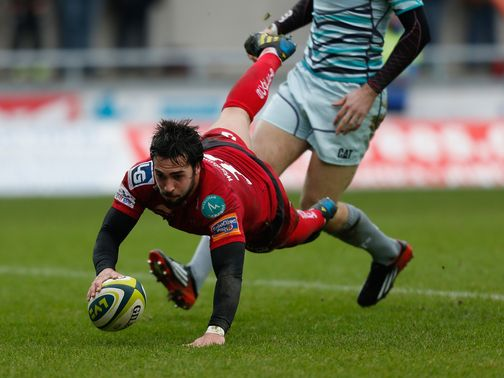 Gareth Owen touches down for the Scarlets