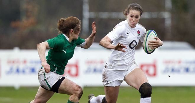 Emily Scarratt: Switches to full-back