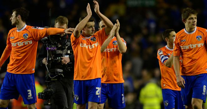 Everton assistant manager Steve Round paid tribute to Oldham