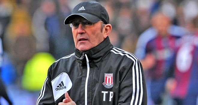 Tony Pulis: Stoke boss wants fans to target him and not the players