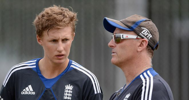 Thorpe (R): Happy with selection dilemma caused by form of Joe Root (L)