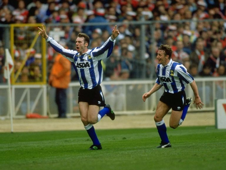 John Sheridan celebrates winning the 1991 Rumblelows Cup with Wednesday
