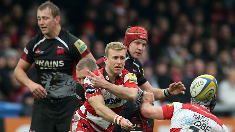 Gloucester's Dan Robson spins out a pass