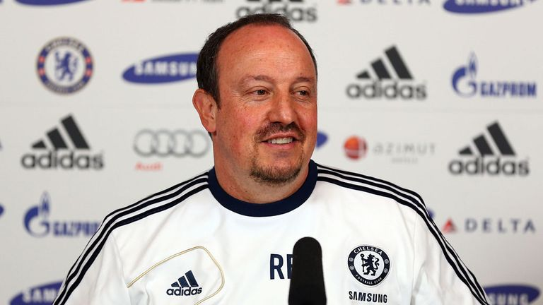 Rafa Benitez: Claims he has the backing of the players at Chelsea