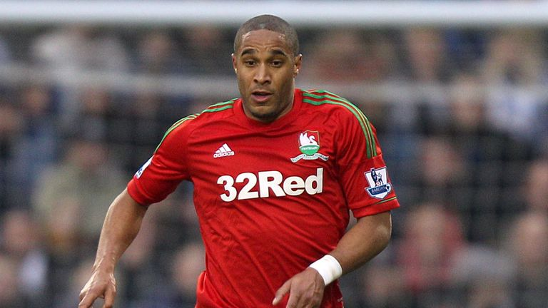 Ashley Williams: Not planning on leaving Swansea, according to his agent