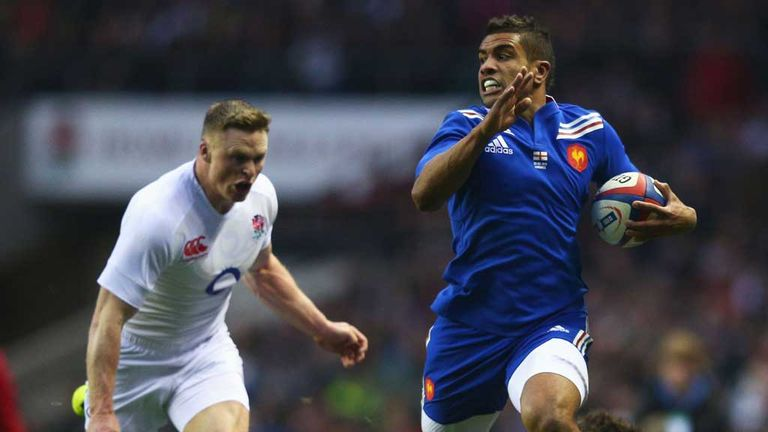 Chris Ashton: England wing attempts to peg back Wesley Fofana