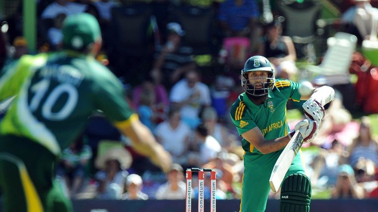 Hashim Amla ensured a solid start for the Proteas.