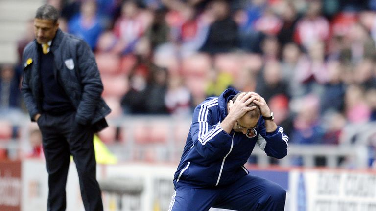 Sunderland boss Martin O'Neill holds his head in his hands during the 1-1 draw with Norwich