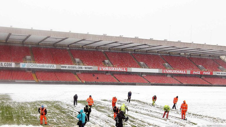 Heavy snow has seen numerous fixtures postponed