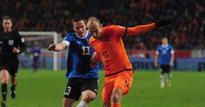 Dutch extend Robben's season